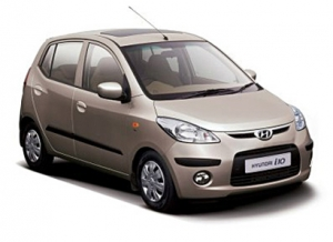 The Master of economy driving is here to drive you in all Santorini, Rent now the Hyundai i10 car rental !